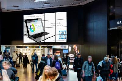Videovæg i lufthavn